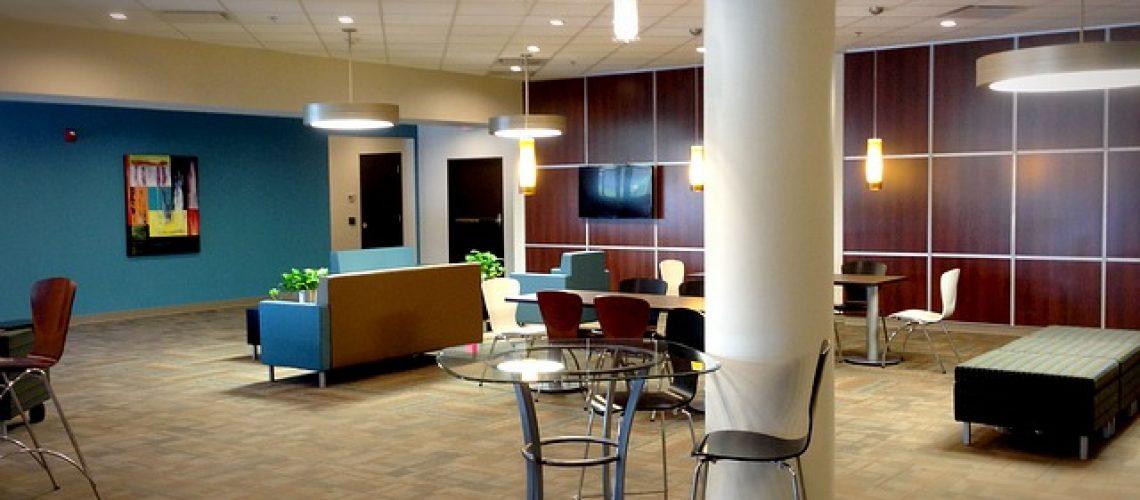 עיצוב לובי לבניין משרדים